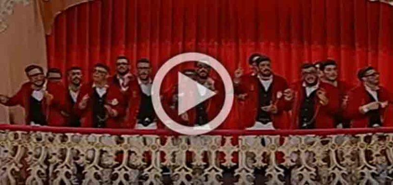 La novia de la orden de correo ruso canta